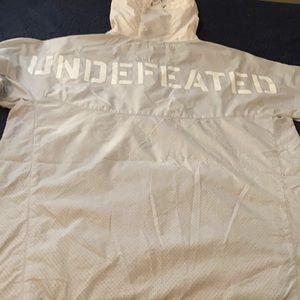 Undefeated men's windbreaker light weight size L